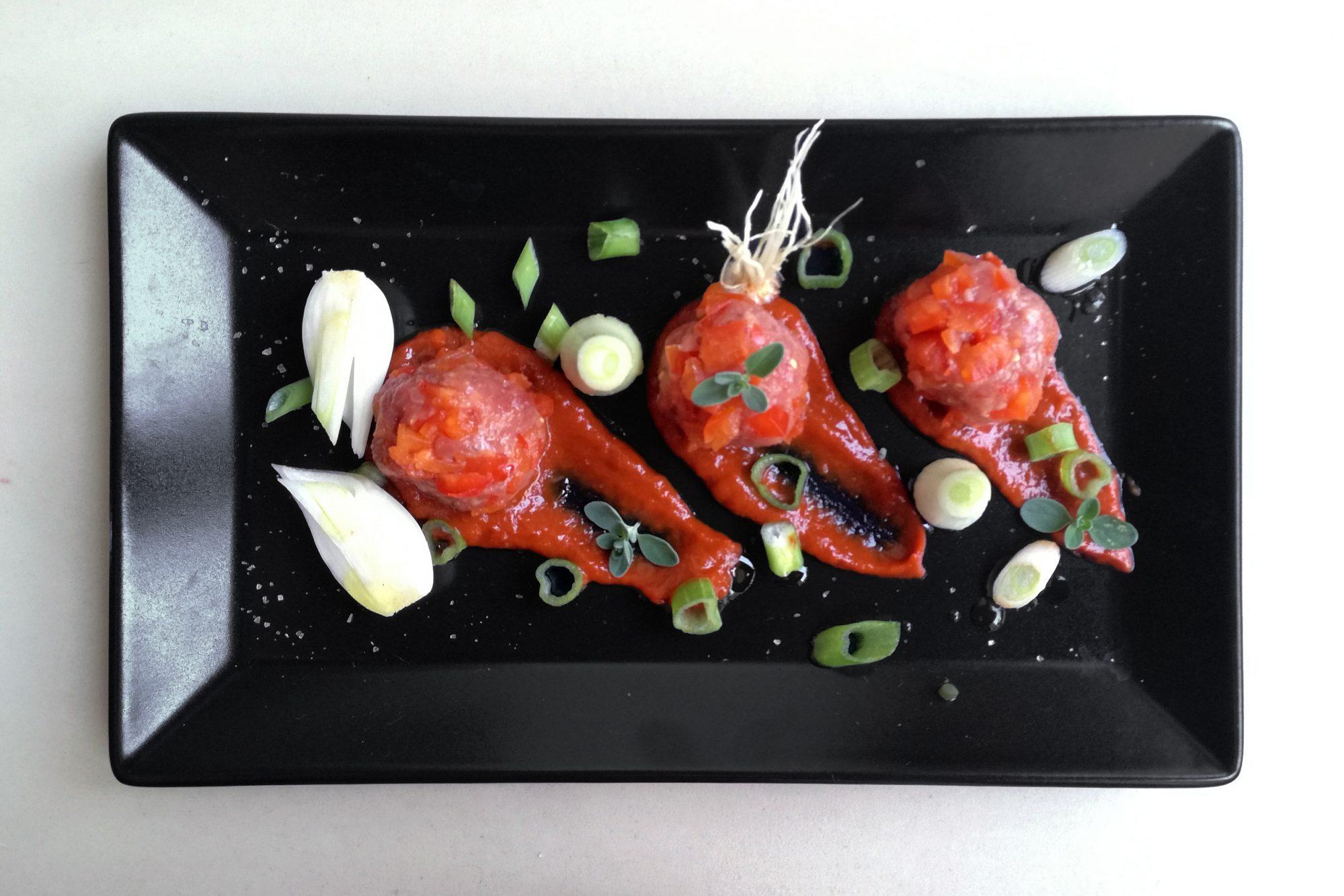 tartare di scottona e salsa all'aceto balsamico di Modena igp 2