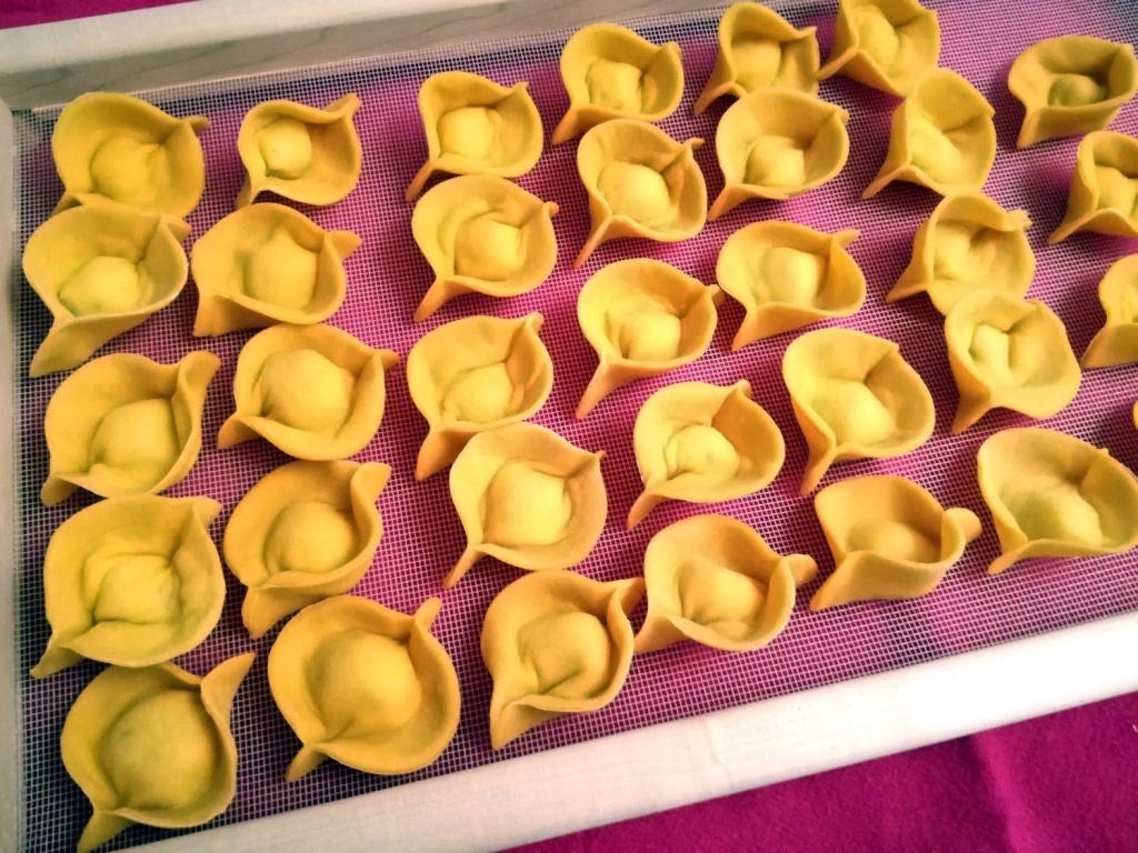ravioli di patate e pecorino sul telaio