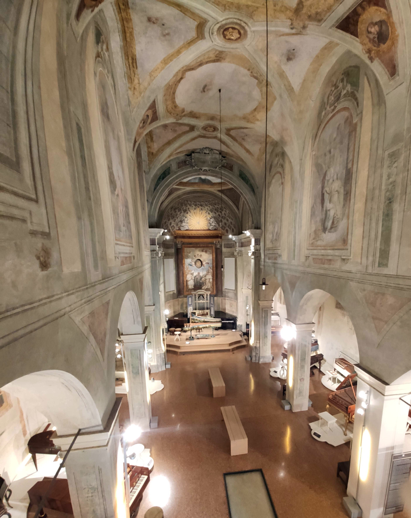 chiesa-san-colombano-dall-organo